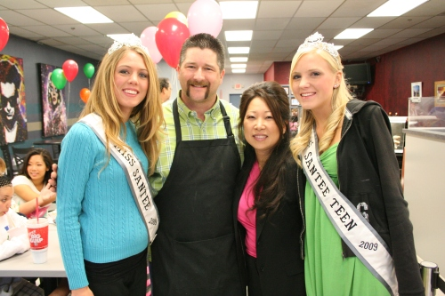 Miss Santee, Miss Santee Teen, and the Bakers